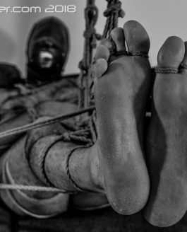 Hairy Masculine Sub – Feet fully Exposed